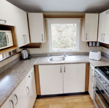 comfort-caravan-kitchen